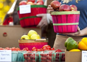 FEATURED Farmers-Market-istock-photo