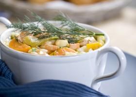BACKGROUND salmon and potato chowder