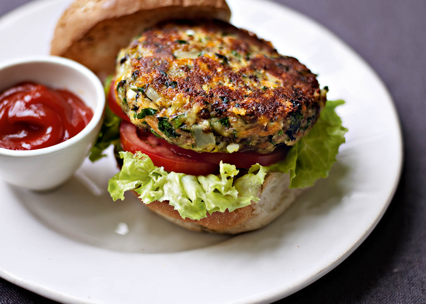 Lentil, chickpea, cheddar and onion burgers | FOODWISE