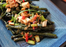 Meatless Monday Thai-spiced Snake Beans with Tofu