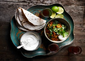 Spinach-and-tomato-dahl-Peter-Kindersley-p103-SHARE